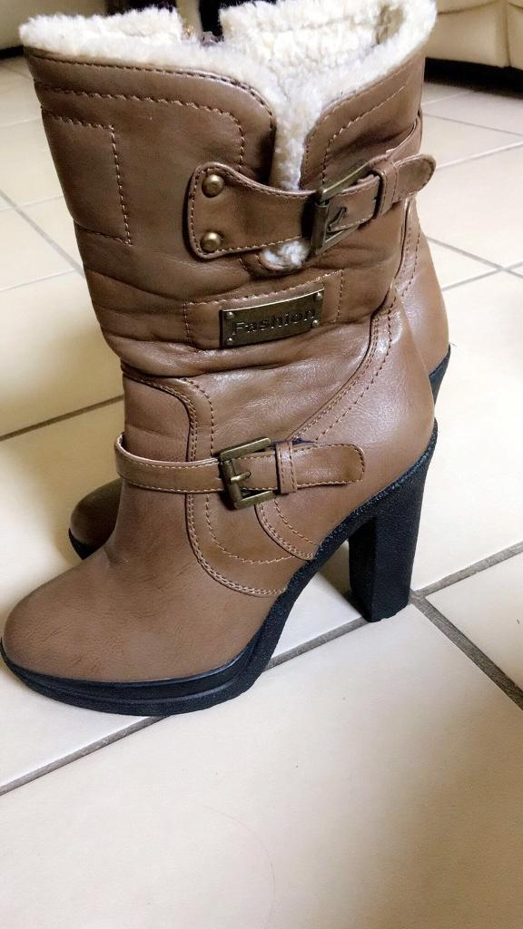 Fashion boots size 38in Leighton Buzzard, BedfordshireGumtree - Fashion boots size 38 never worn only tried on beige colour ankle boots