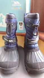 Trespass Snow Boots Kids size 12