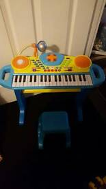 Childrens Keyboard, microphone and stool