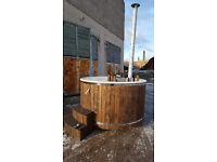 Wooden wood fired fiberglass hot tub 4-6 PEOPLE