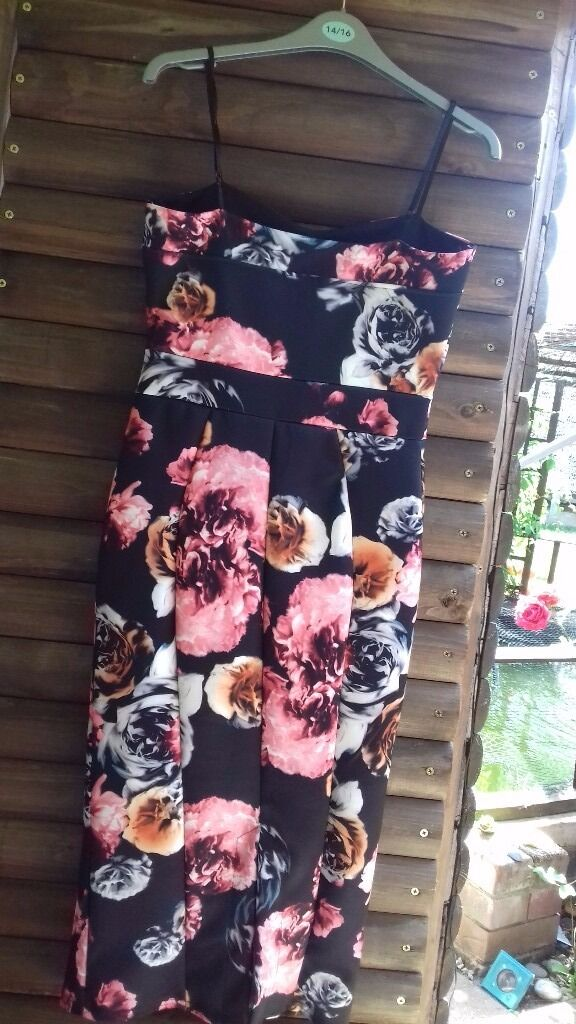 Bodycon dressin Attleborough, NorfolkGumtree - Brand new bodycon occasion dress brand new, never been worn flower design. Collection only