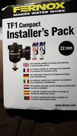 Fernox TF1 Compact Filter Installer's Pack