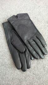 New Ladies Marks & Spencer black leather gloves