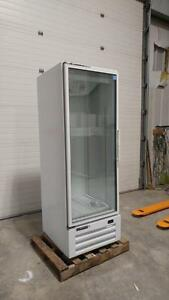 MASTER BILT GLASS ONE DOOR FREEZER - LED Lighting