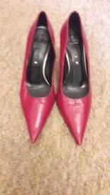 Shoes size 34