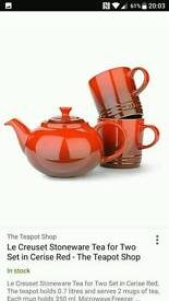 Brand new le creuset teapot