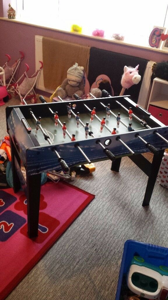 EXCELLENT football table/toy..NEED GONE