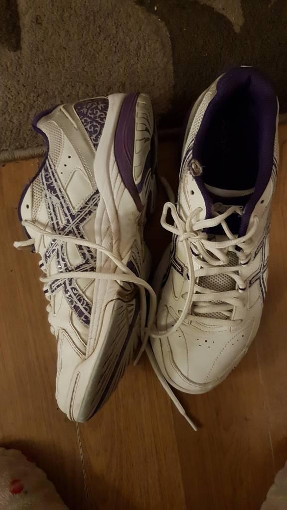 asics netball trainers size 8