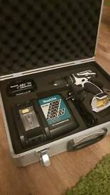18v Makita Cordless hammer drill DHP456 white with charger, aluminium carry case and 3ah battery