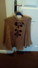 Ladies Poncho Jumper Size Large 14-16