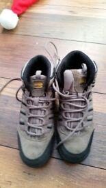 Boys walking boots karrimor