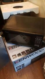 FREE WORKING COOKER & MICROWAVE PICK UP BH8
