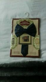 New navy picture bow