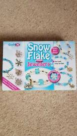 Jewellery charm snow flake craft set