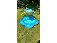 Toddler paddling pool with inflatable sunroof
