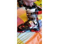 Mens atomic ski boots only worn once