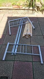 Single Metal Bed - All wooden slats and bolts included. Great condition