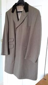 """Mens John G Hardy coat. 42"""" 107 cm. Made in England. Ideal for racing."""