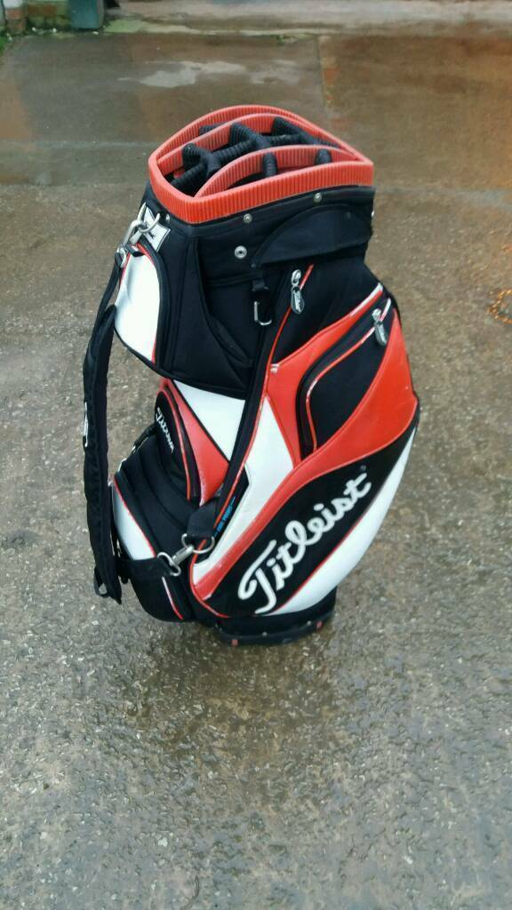 Titleist golf clubs bag