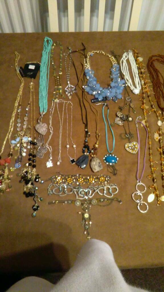 Job lot of 22 new necklaces
