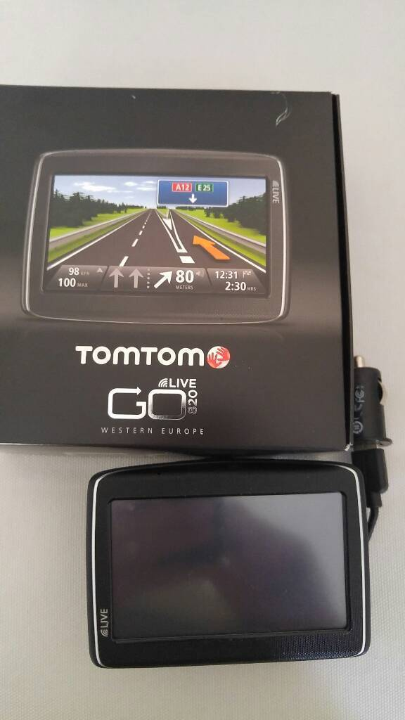 satnav tomtom go 820 live in cowling west yorkshire gumtree. Black Bedroom Furniture Sets. Home Design Ideas