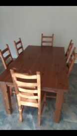 KITCHEN TABLE AND CHAIRS IN PINE