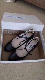 Court shoes 3.5