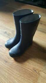 Boys trainers & welly boots