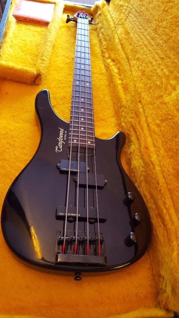 tanglewood 4k bass great condition plays and looks great