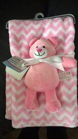 Fleece Baby blanket and toy set bnwt