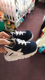 Nike Hurrache Baby Shoes 3.5