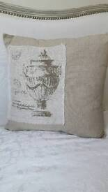 SHABBY CHIC LINEN GORG CUSHION
