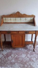 Wash stand, needs a bit of attention but ideal for anyone into up-cycling or chabby chic!