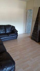 2 Bed furnished property LS9