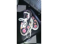 VANS AS NEW WITH FLOUR APPLICATED outside only 8 £!!!! size US7