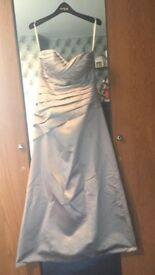 Gorgeous size 8 prom dress