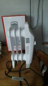 Argos 450w Oil filled radiator - small