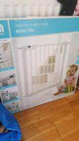 Mothercare easy loc gate