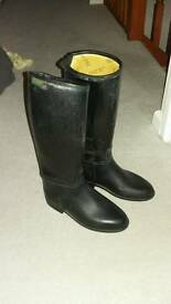 Childs riding boots size 1