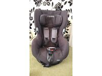 Maxi Cosi Axiss Swivel Child Baby Car Seat in perfect very clean condition - like new,