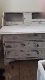 Vintage Chic Bureau