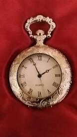 Quartz pocket watch