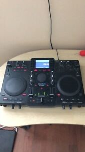 Stanton SCS. 4DJ DJ controller/turntable