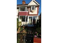 3 BED SEMI -DETACHED PROPERTY:CLOSE TO LOCAL AMENITIES: NEWLY FITTED KITCHEN, ONLY £695.00 PCM