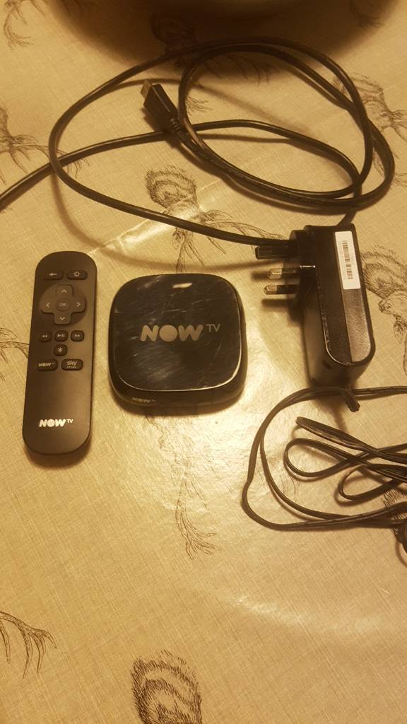 Now TV box with remote, plug and hdmi