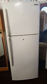 samsung fridge freezer for sale ( AMERICAN STYLE... IN MINT CONDITION )