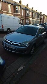 Stunning Vauxhall Astra, full service history, timing belt been changed, MOT march 18, immaculate