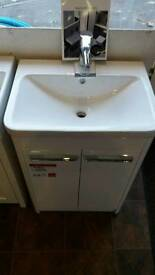 600 bathroom basin & vanity unit BRAND NEW