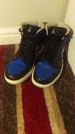 Nike Jordan Retro 1 Hi Basketball Shoe