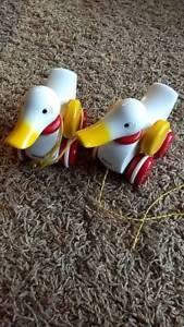 Quark Quark Enten zum hinter ziehen in Altona Hamburg